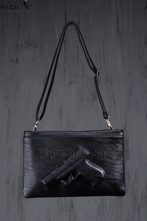 Hand Machine Gun Embossing Clutch Bag