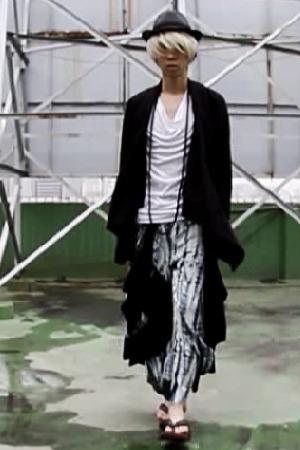VIDEO (ByTheR string wing pants)