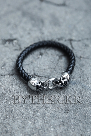 ByTheR Double Skull Leater Bracelets