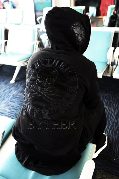ByTheR Skull Logo Patch Zip-up Hoodie