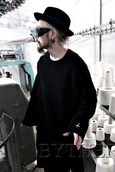 ByTheR Sleeve  Embroidery Man to Man