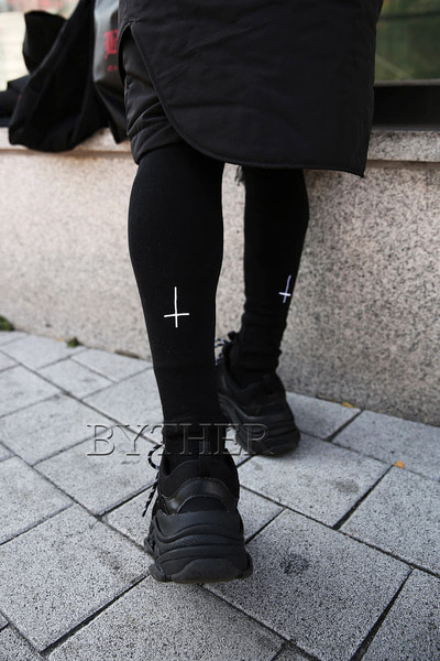 ProjectR Cross Embroidery Villus Leggings