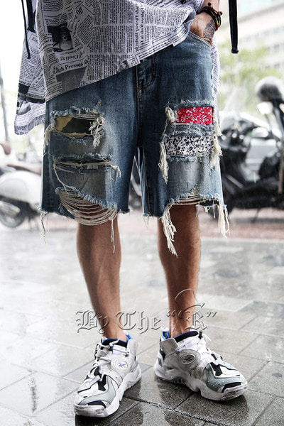 Damage Inner Patch Denim Shorts
