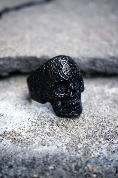 Ethnic Engraved Skull Metal Ring (Black)